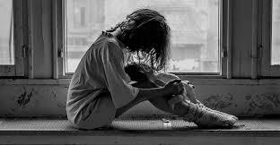 Анорексия и самоповреждение девушка на подоконнике
